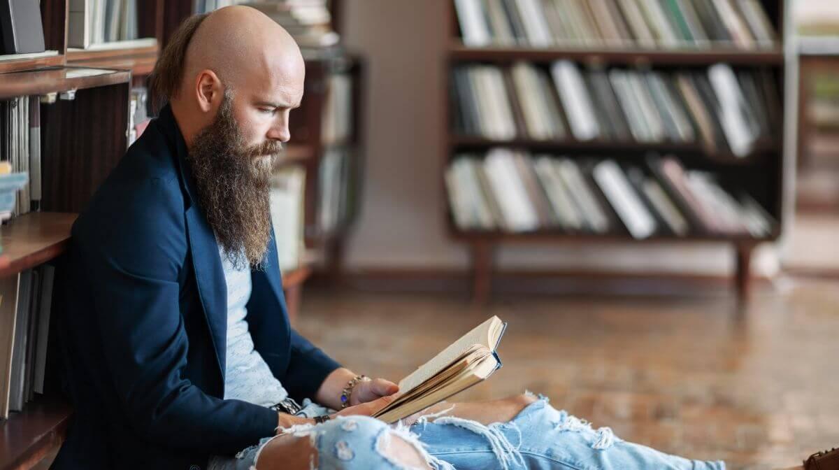 Ein gut gepflegter Bart lenkt von Geheimratsecken ab | Gillette DE