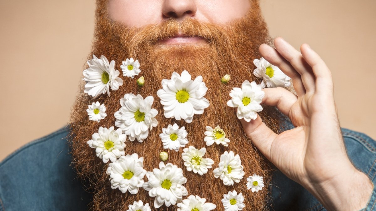 Flower beard: Festival Flower Power | Gillette UK