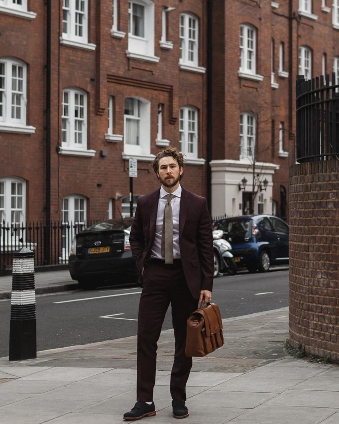 Formal brogues styling