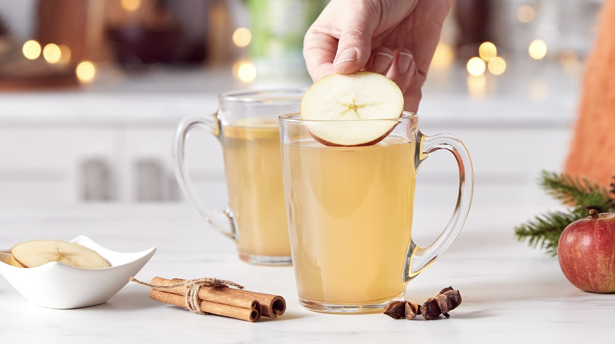 Hot Mulled Apple Juice with Cinnamon | Christmas Drinks