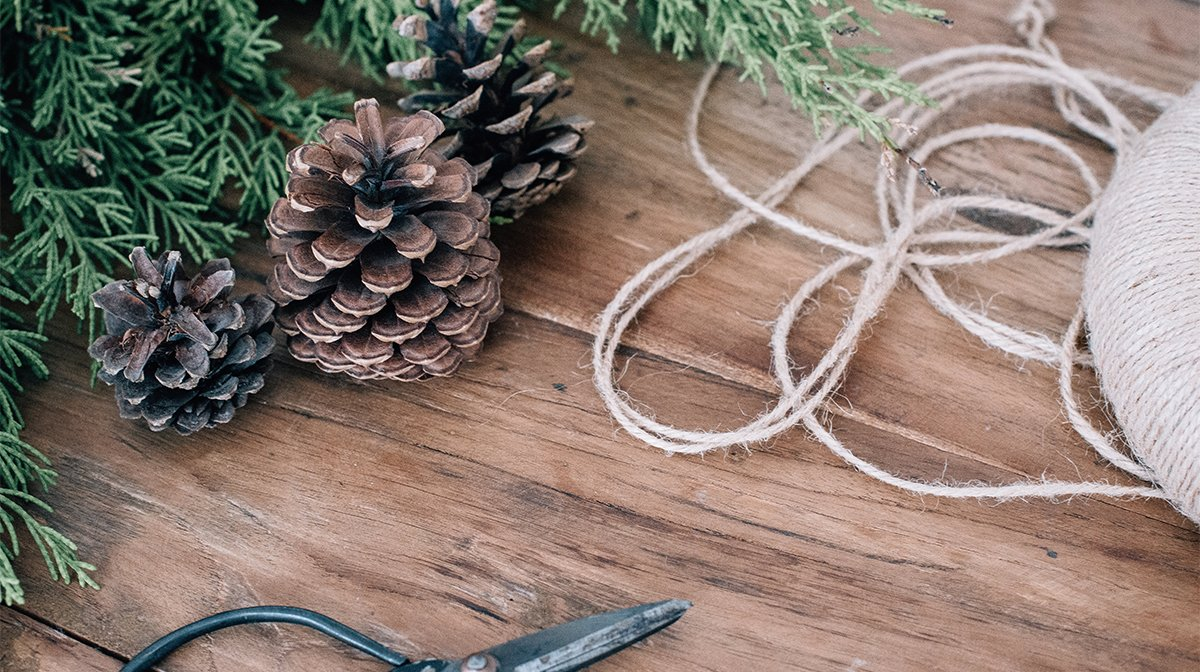 How to Make Upcycled Sustainable Christmas Decorations