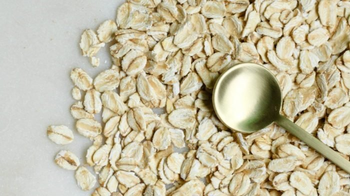 Oat Milk   What Is It? What Are Its Benefits? Should You Be Drinking It?