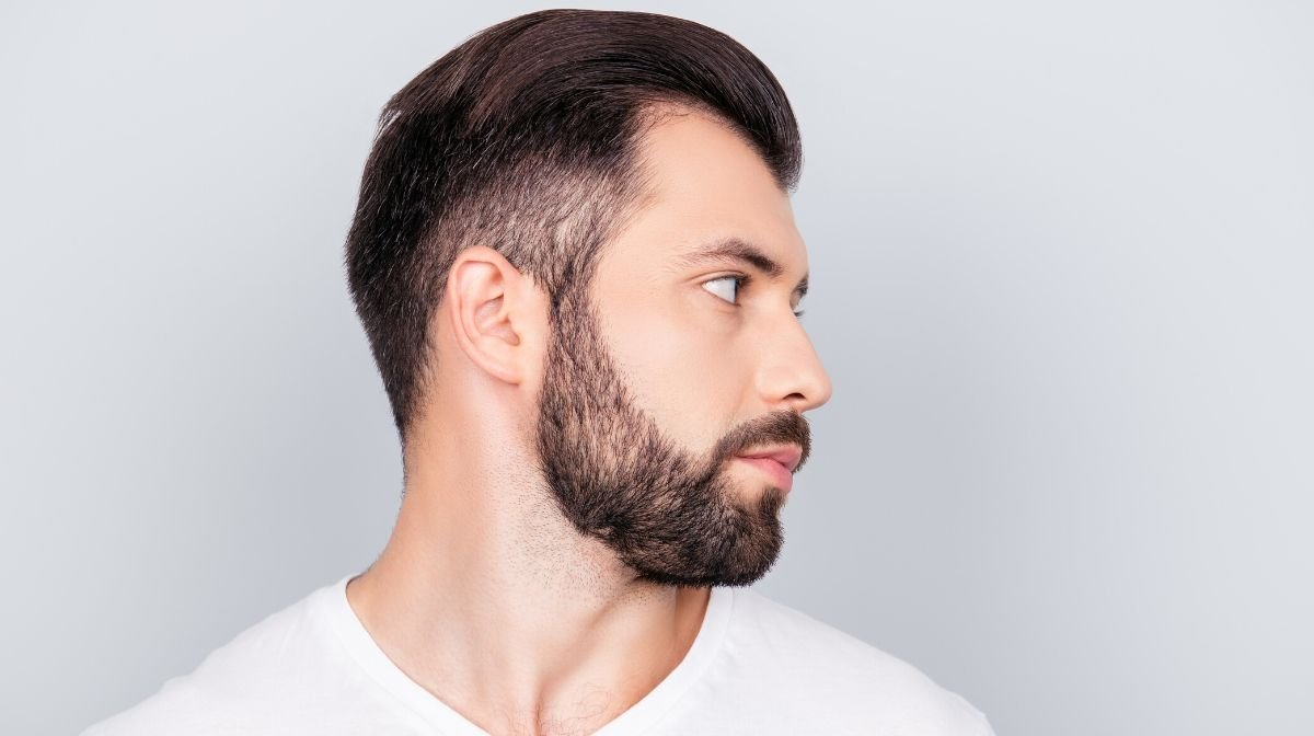 Bartkonturen richtig rasieren