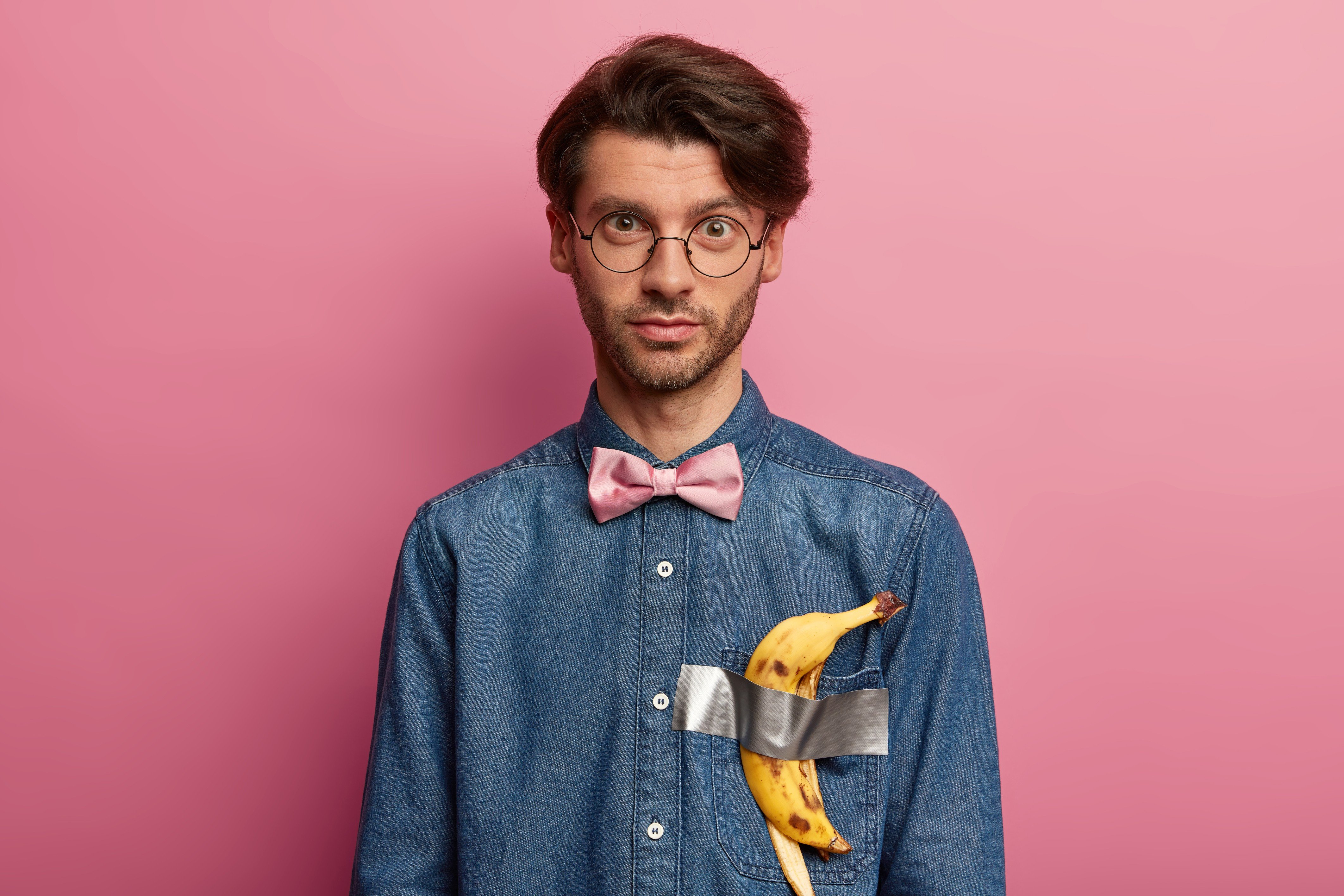 Karneval 2020: Werde selbst zum Kunstwerk, so wie Maurizio Cattelan Kunst schrieb: mit Gaffer Tape und einer Banane