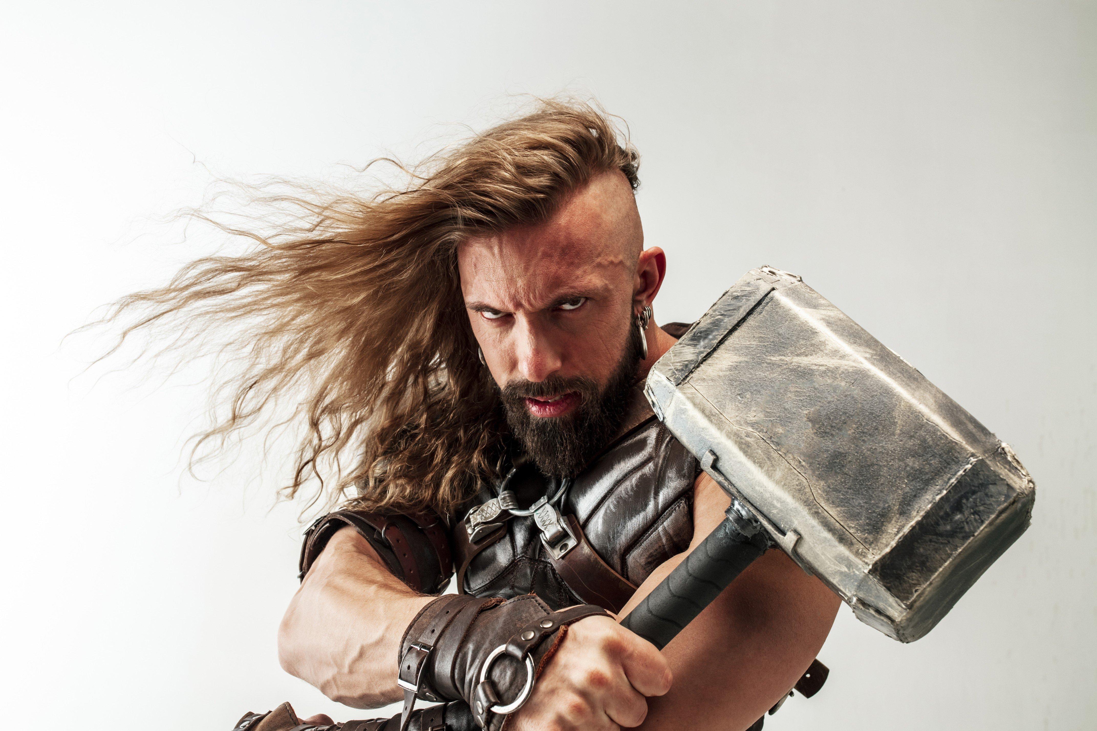 Kostümideen: Crashe als dicker Thor die Karnevalsparty 2020!