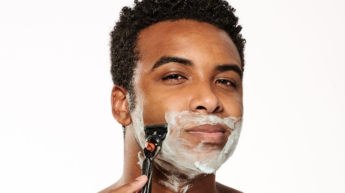 Starte glatt rasiert