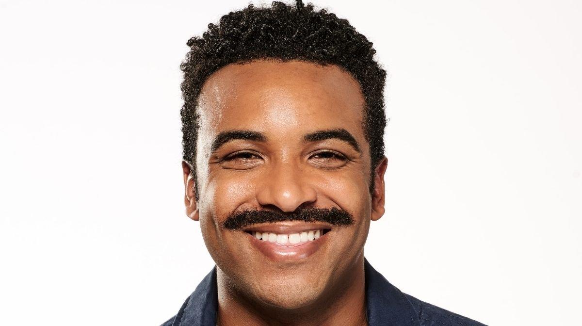 Lasse Deinen Schnurrbart einen Monat lang wachsen