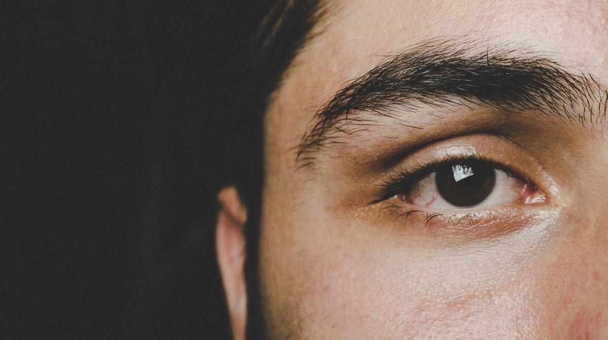 Männer augenbrauen Augenbrauen zupfen: