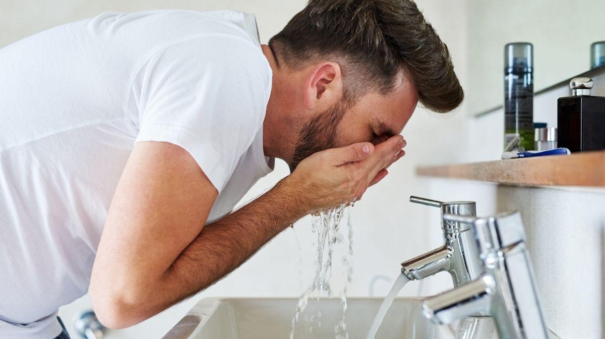 Wasser sparen: 4 Tipps für die tägliche Pflegeroutine