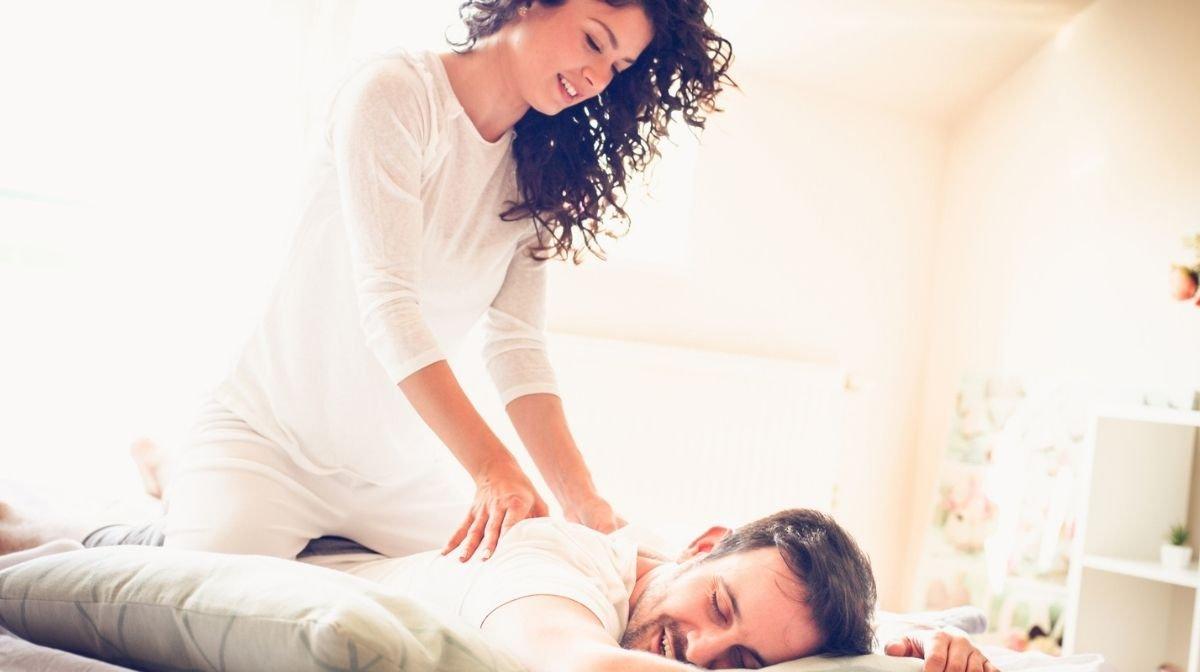 Verwöhne Deinen Partner mit einer Massage am Valentinstag
