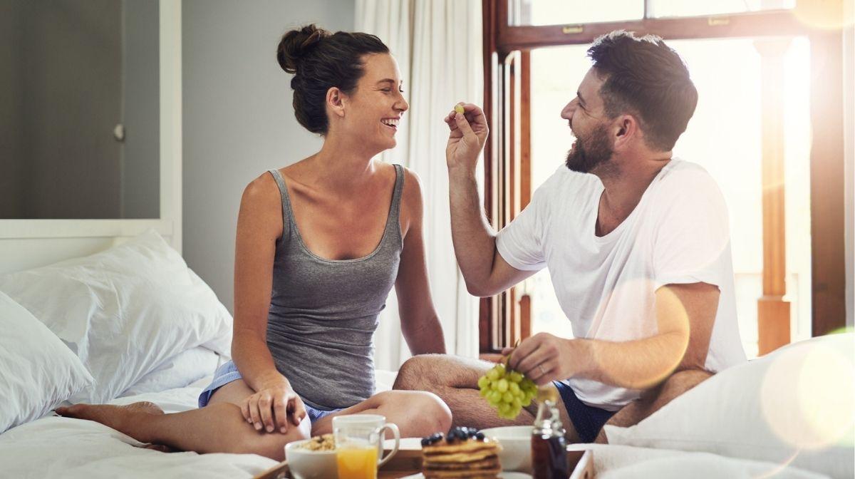 Valentinstag 2021: Romantisches Frühstück im Bett