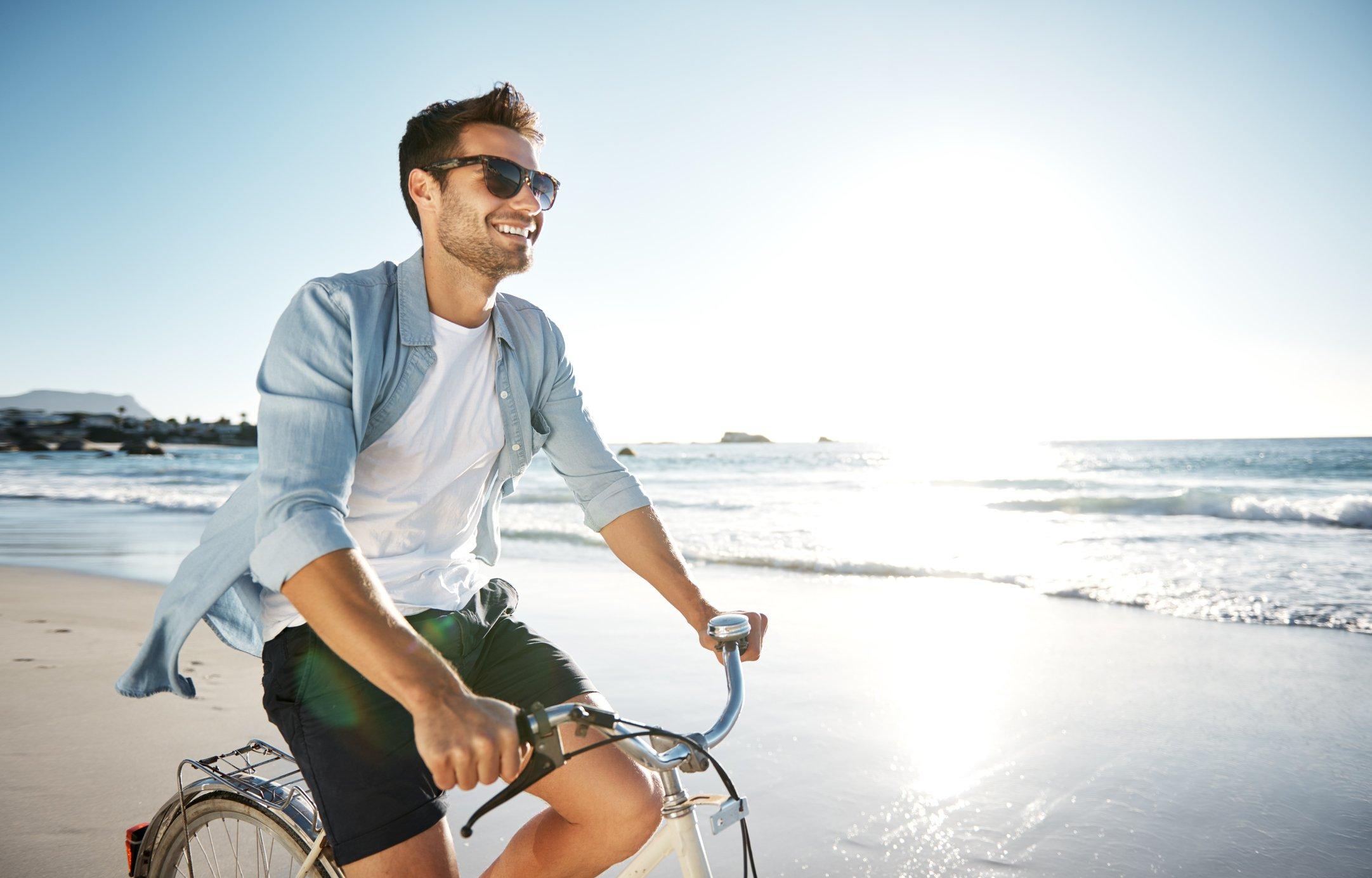 Radfahren im Sommer Denke daran, Deine Haut vor der Sonne zu schützen   Gillette DE