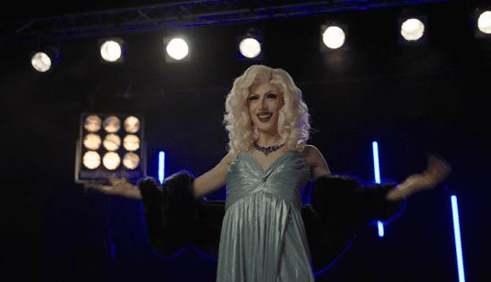 Behind the scenes mit Aria Addams [ber ihre Rasier-Routine   Gillette DE