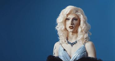 Zusammenarbeit mit Drag Queen Aria Addams   Gillette DE