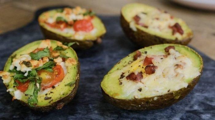 Gebakken eieren met avocado 2 ways | Heerlijk Keto-vriendelijk ontbijt