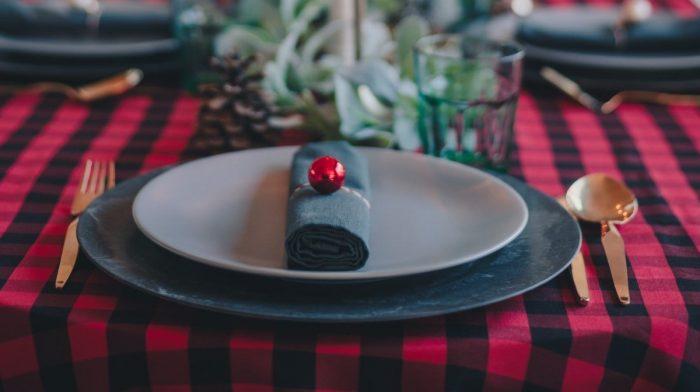 Wat helpt bij een opgeblazen gevoel na het eten van een kerstdiner?
