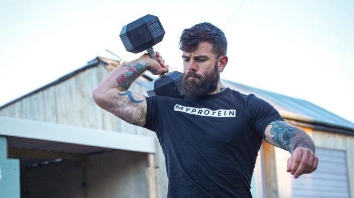 Kun jij 30 rondes van deze full-body dumbbell-workout aan?