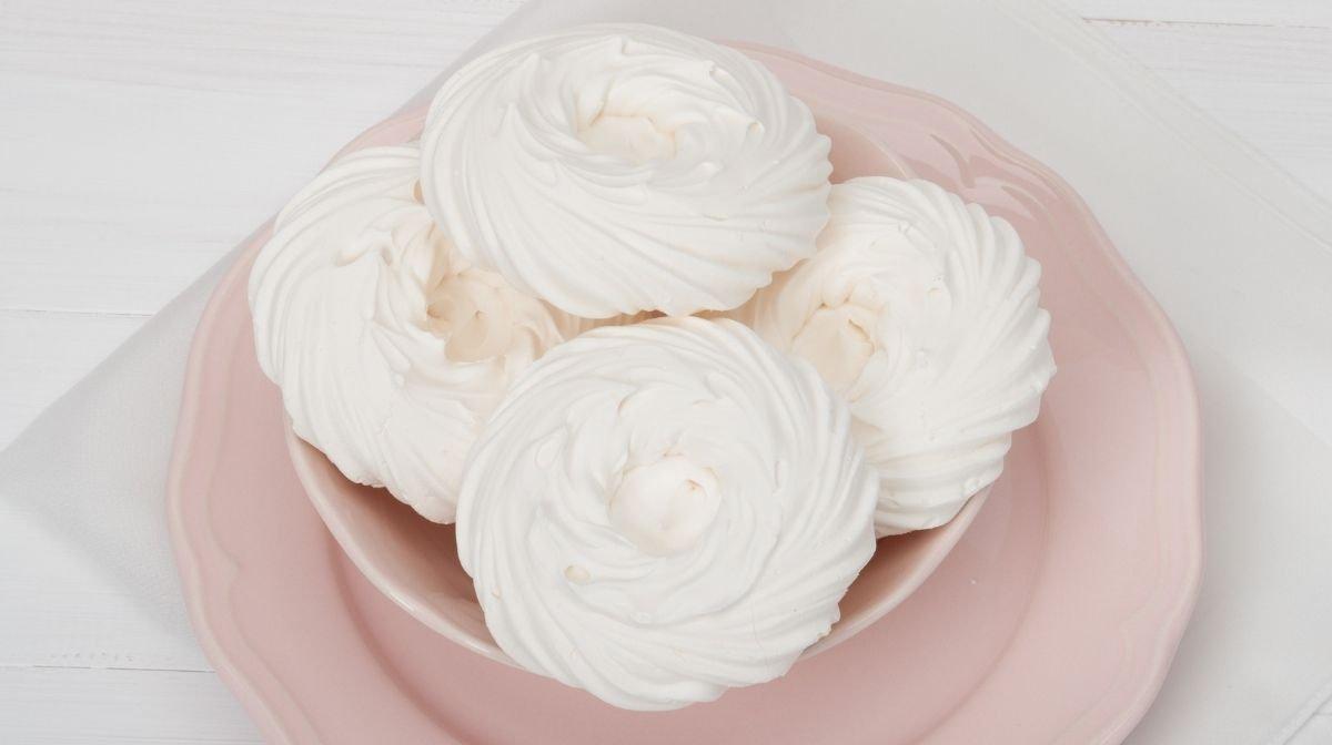 homemade vegan meringues