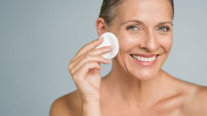 Your Nighttime Skin Care Routine in 6 Simple Steps