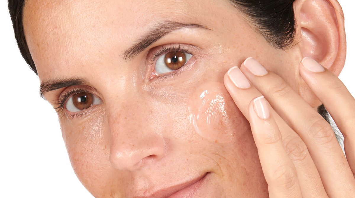What Does Hyaluronic Acid Serum Do For Skin?
