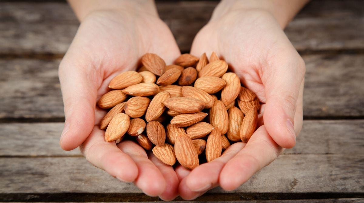 almonds, a natural source of vitamin e