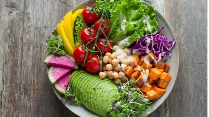 Pourquoi tant de personnes adoptent-elles un régime végétalien ?