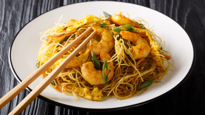 Recipe: Skinny Singapore Noodles