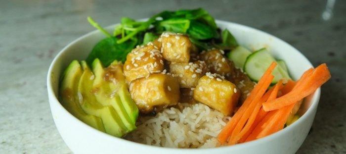 Křupavé Teriyaki tofu srýží   Vegan meal prep