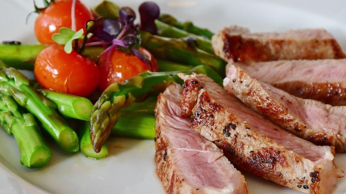 tuna steak with Mediterranean vegetables