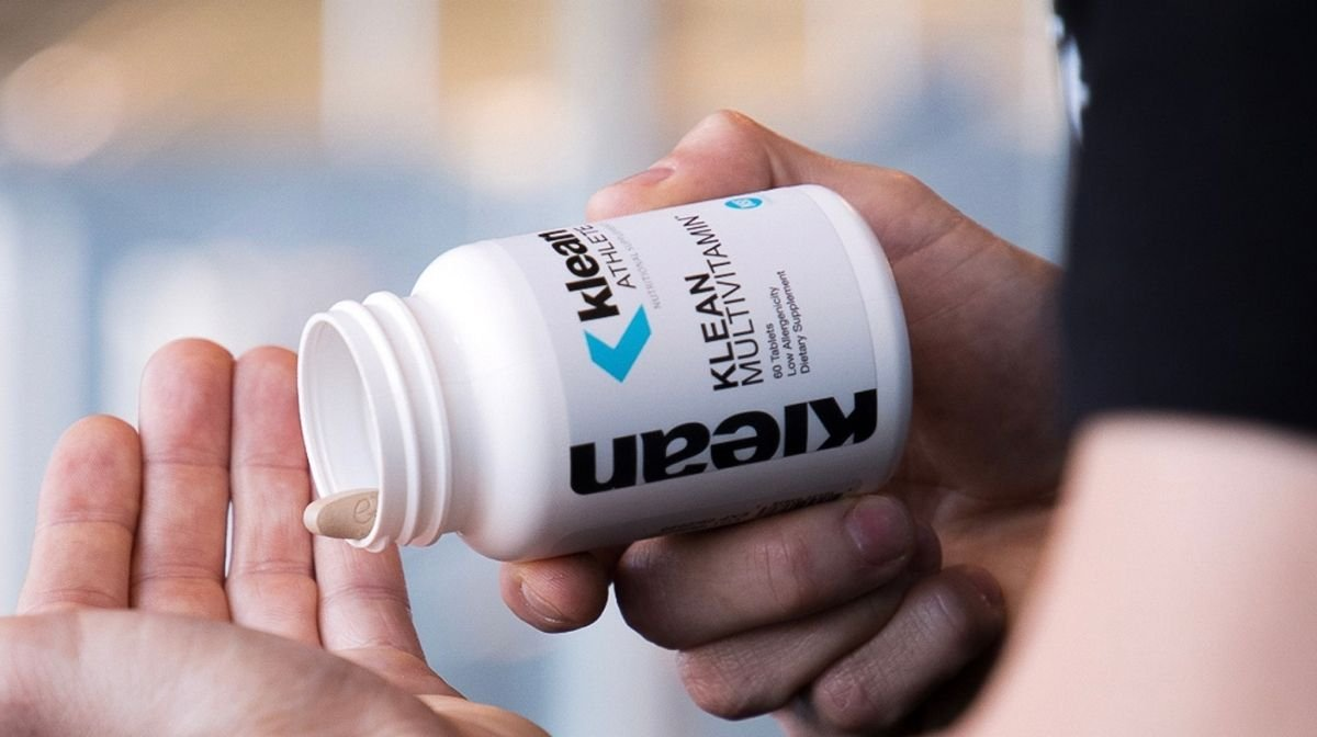 athlete using Klean Multivitamins to support fitness