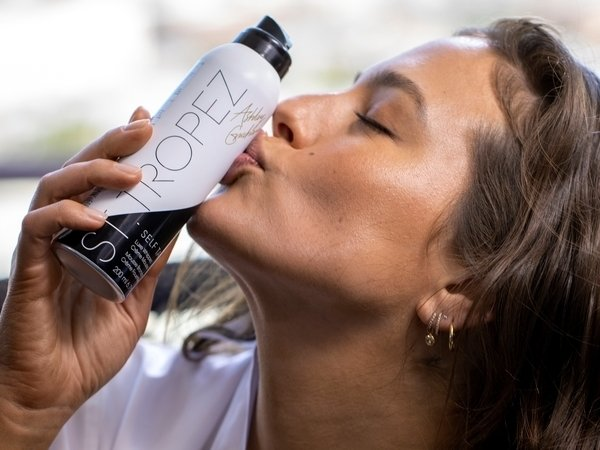 self tanning tips with Ashley Graham and St Tropez