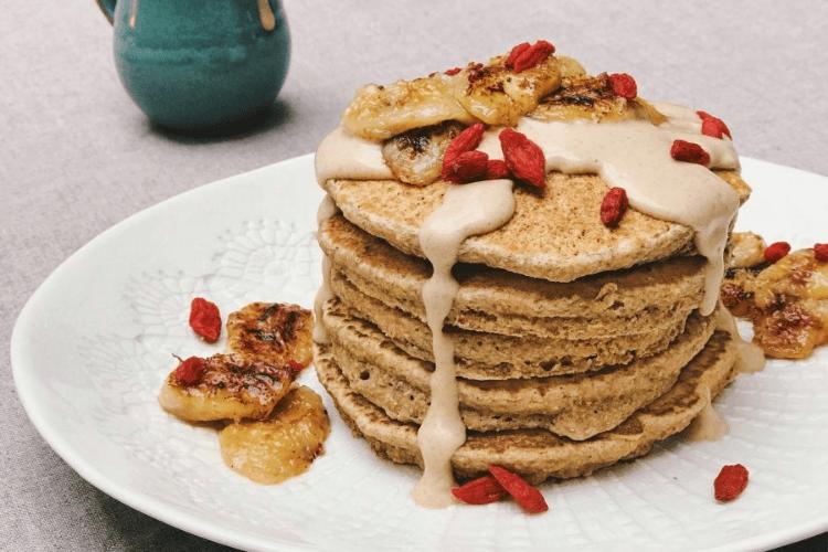 vegan banana and peanut butter pancakes