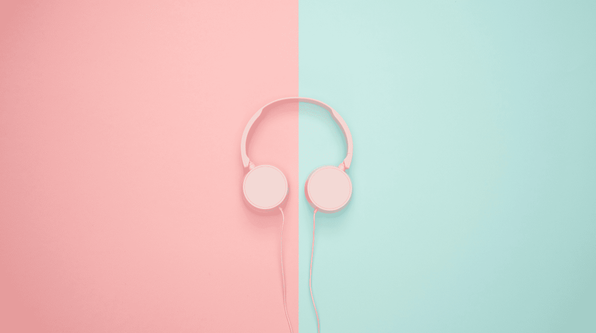 Stop What You're Doing! Listen To These Uplifting Pregnancy Podcasts