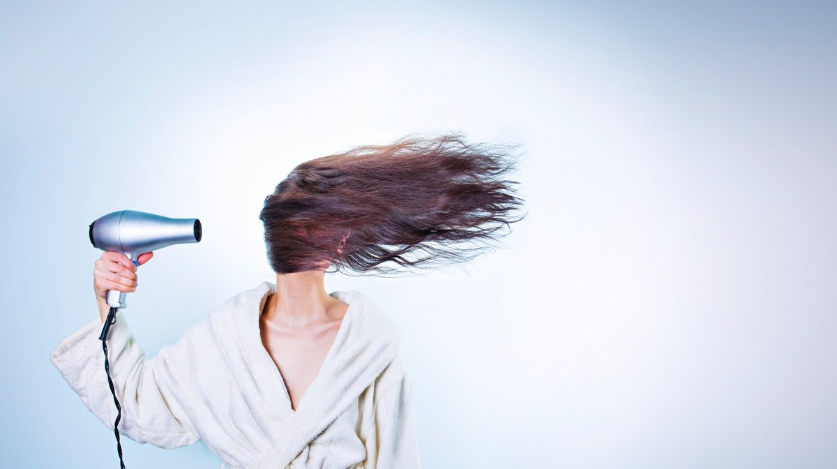 How To Blow Dry Hair In 3 Easy Steps