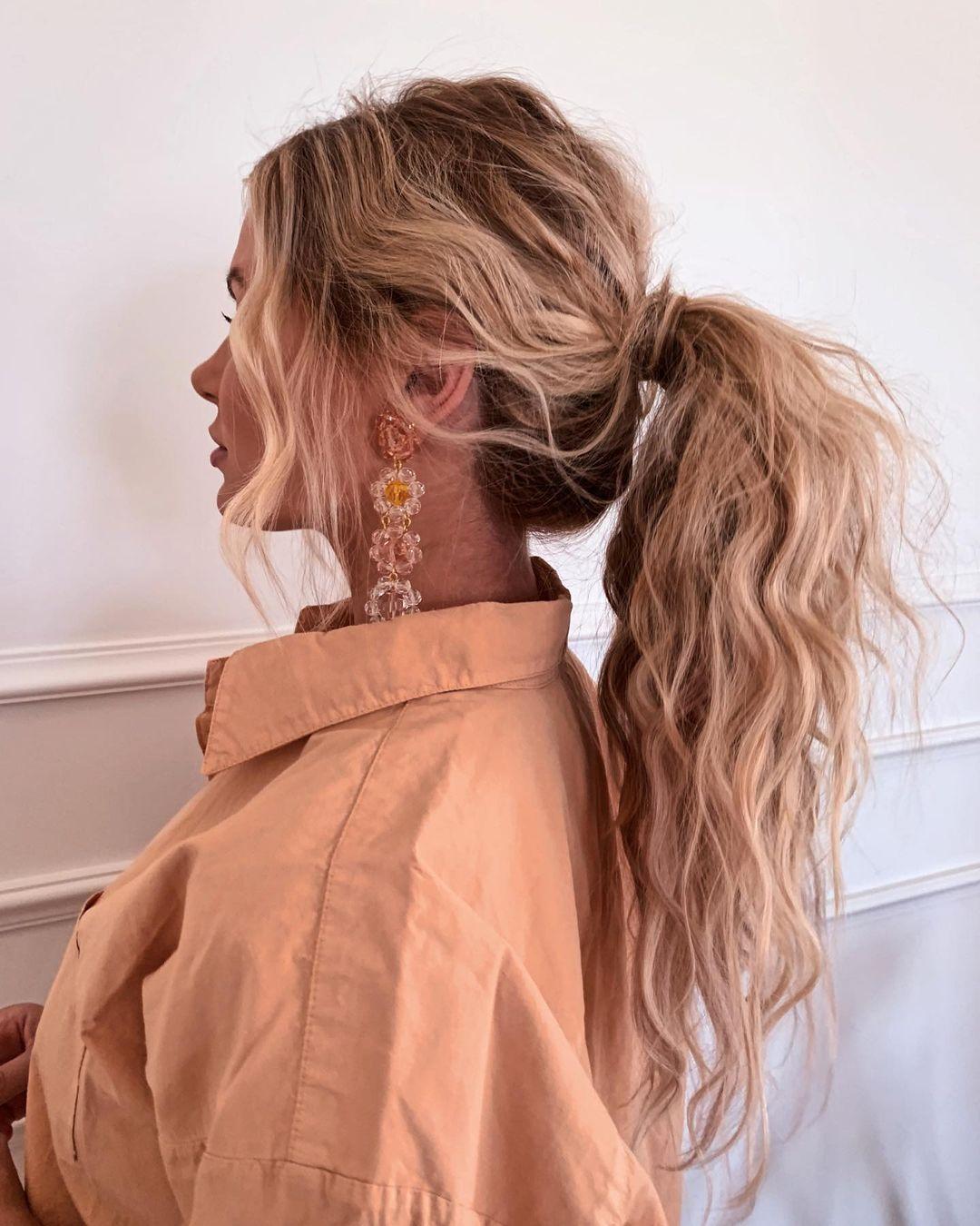 textured low ponytail