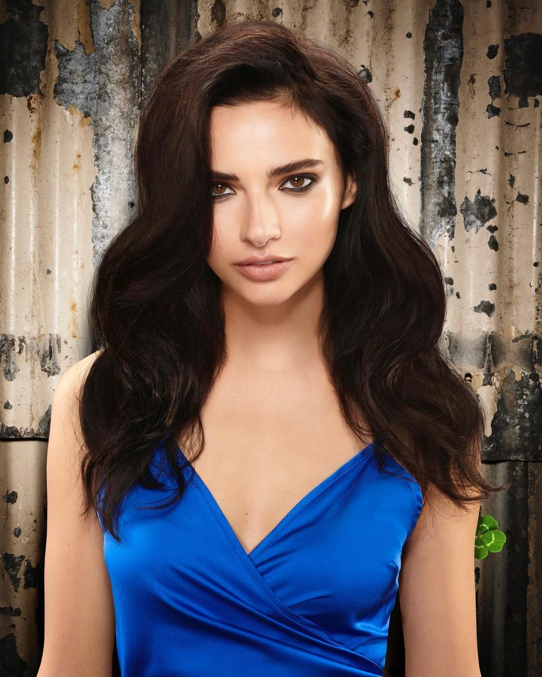 loose curl Hairstyle