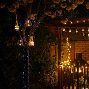 Lighting pergolas, arches & gazebos