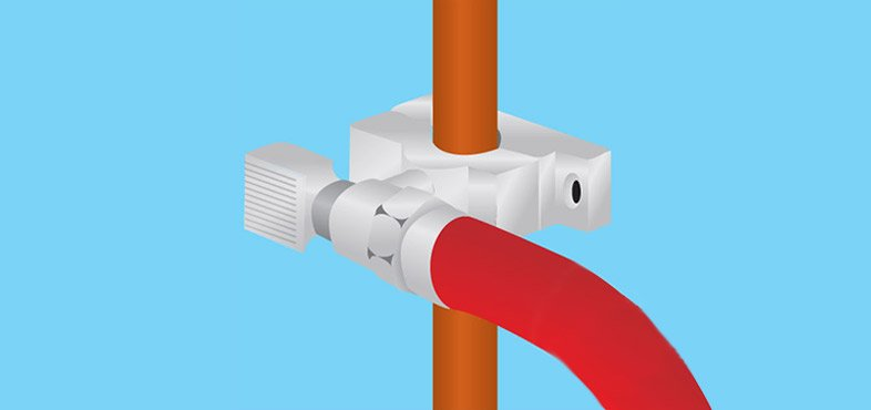 fit the back plate directly behind the pipe