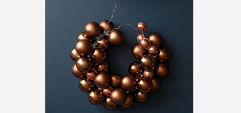 How to create bauble wreath
