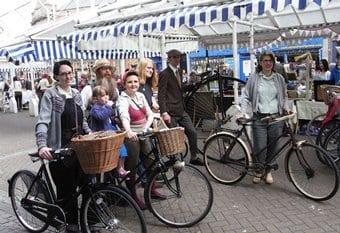 People on vintage bikes