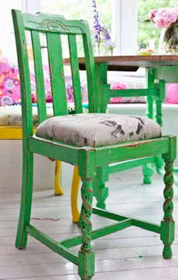 Kirstie Allsopp's Distressed Chair Project