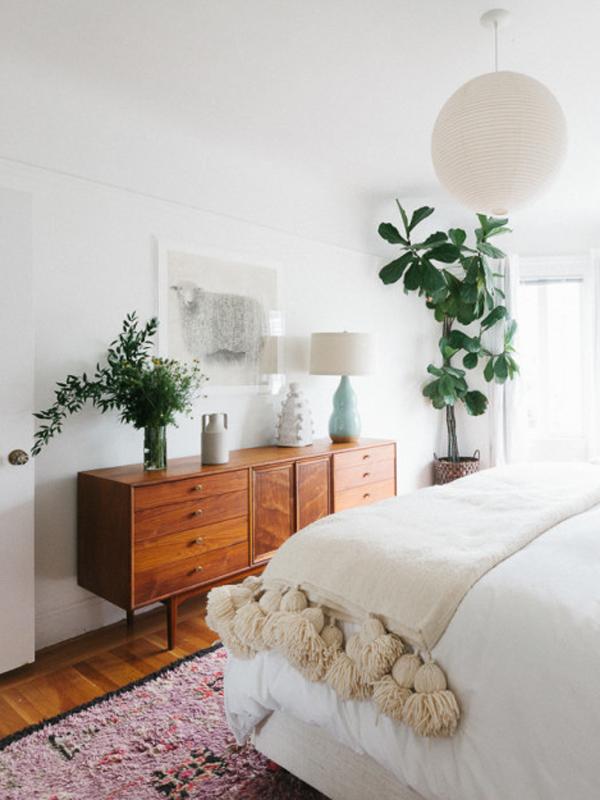 1. bedroom-plants-red-online RedOnline