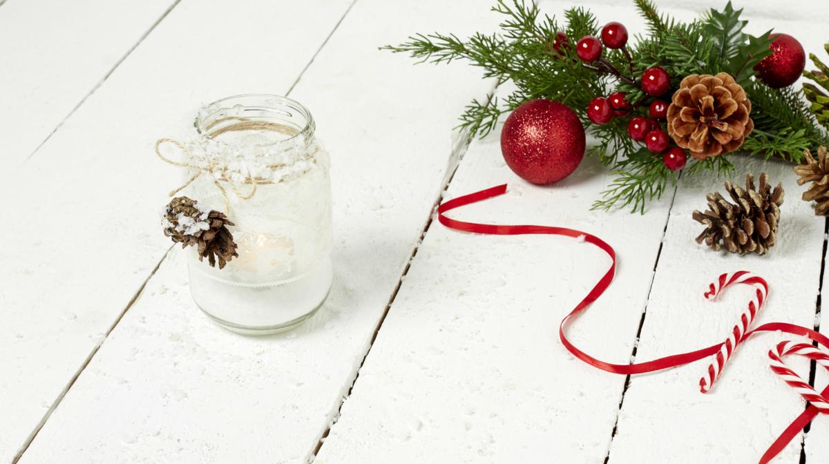 How to Make Mason Jar Christmas candles