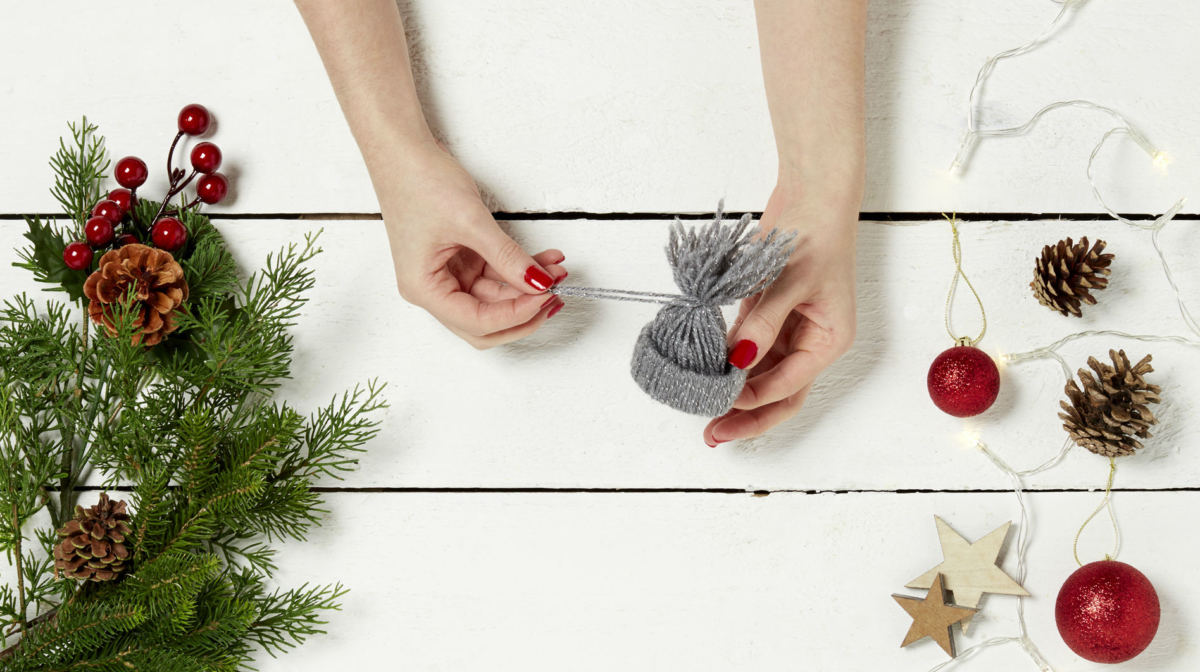How to make a yarn hat ornament