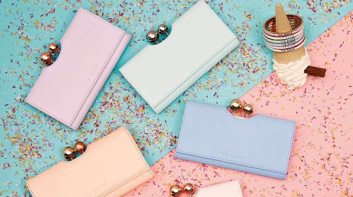 Pantone 今年流行大势色——粉晶色和静谧蓝
