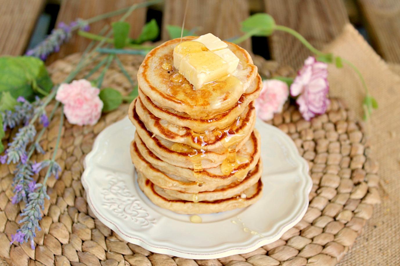 honey greek yogurt pancakes 8