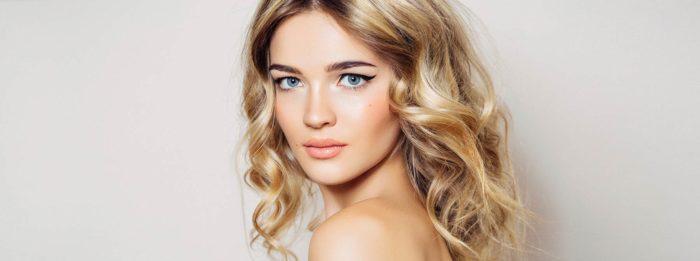 Le top des produits pour avoir de beaux cheveux brillants