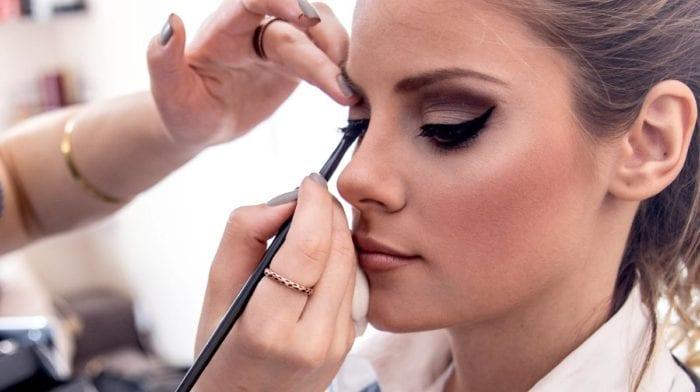 Comment appliquer son eyeliner facilement?