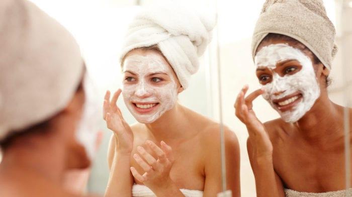 Top 5 des masques visage maison pour peaux ternes