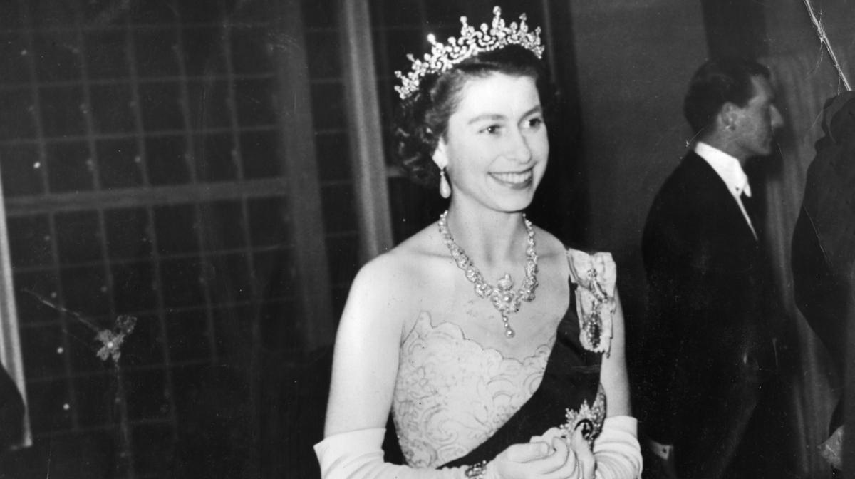 Vintage Queen: Get the Look
